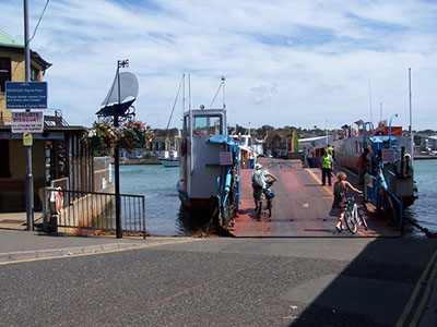 "Chain Ferry, Cowes"" hspace="
