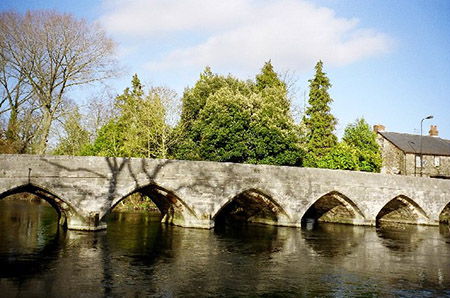 "The ancient bridge at Fordingbridge"" hspace="