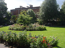 "Gardens in Exeter"" hspace="