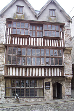 The Tudor building – the Merchants House