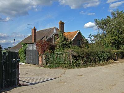 "The Wessex Ridgeway passes through this farm"" hspace="
