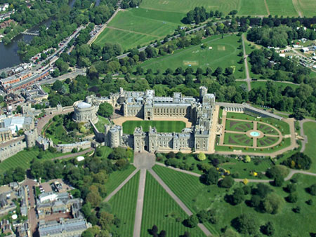 "Windsor Castle from the air approaching Heathrow"" hspace="