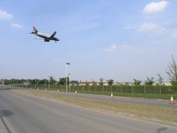 Aircraft coming in to land at Heathrow