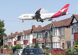 aircraft descending on London Heathrow