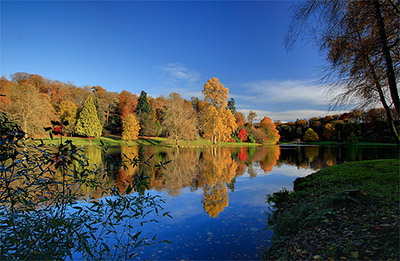 """A stunning photo of Stourhead in the Autumn"""" hspace="""