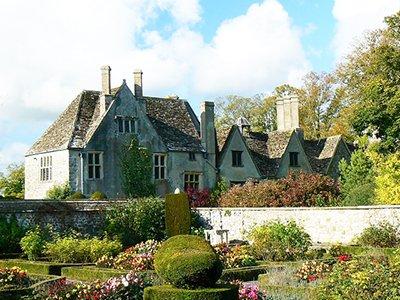 "Aveury Manor"" hspace="