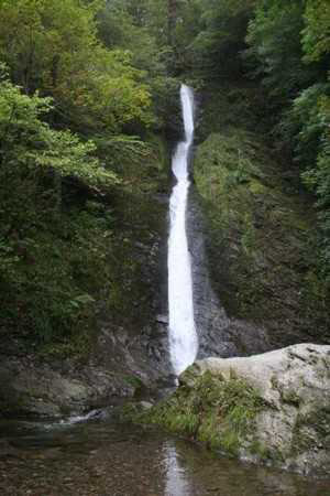 The White Lady Waterfall is 100 feet high