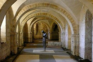 The Crypt showing Gormley's statue Sound IIl